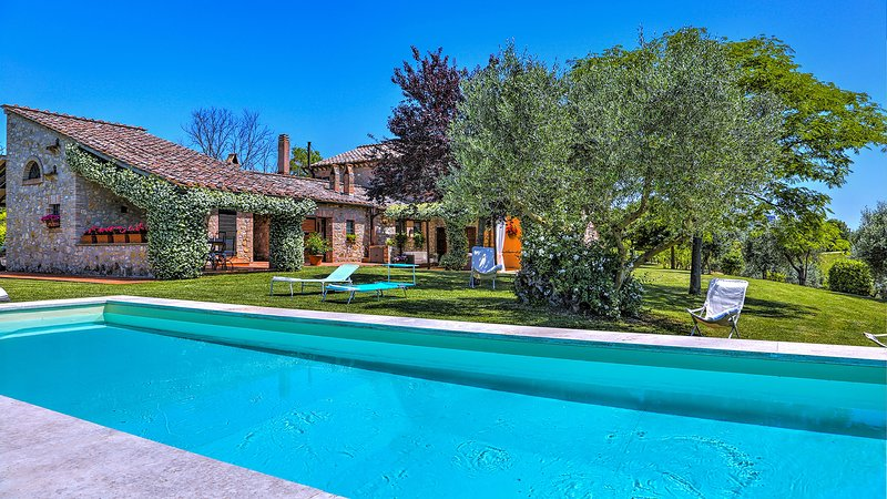 CASALE TRE CIPRESSI 10, Emma Villas Exclusive, vacation rental in Penna in Teverina