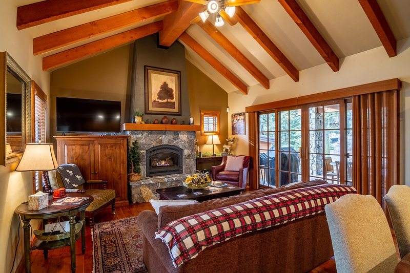 Wildflower Cottage | Tamarack Resort | Sleeps 8, alquiler vacacional en Donnelly