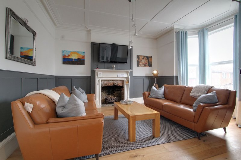 Belmont Road - Stunning 3 Storey Victorian Home with Sea Views, holiday rental in Kingsgate