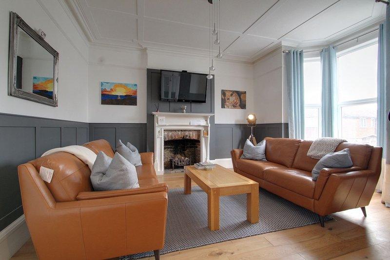 Stunning 3 Storey Victorian Home with Sea Views, location de vacances à Kingsgate