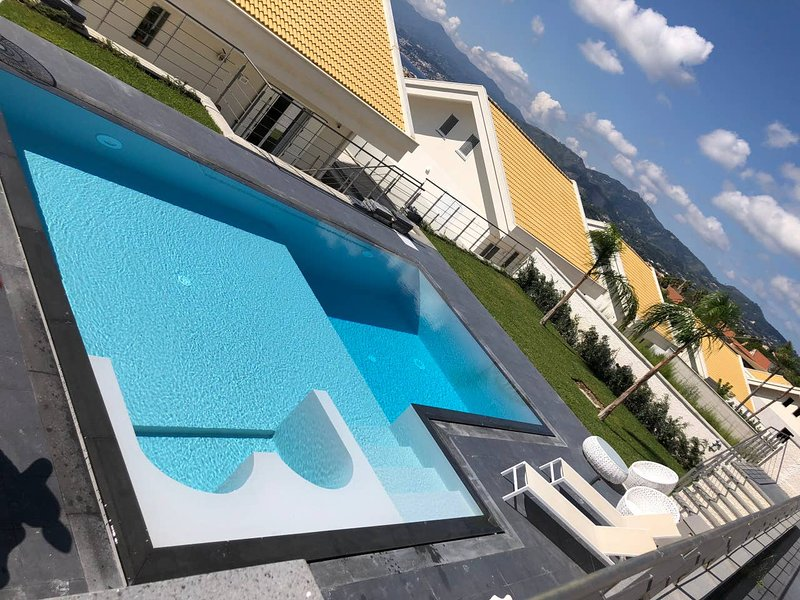 Villa Mirea-Bishop (Messina, Sicily), holiday rental in Messina