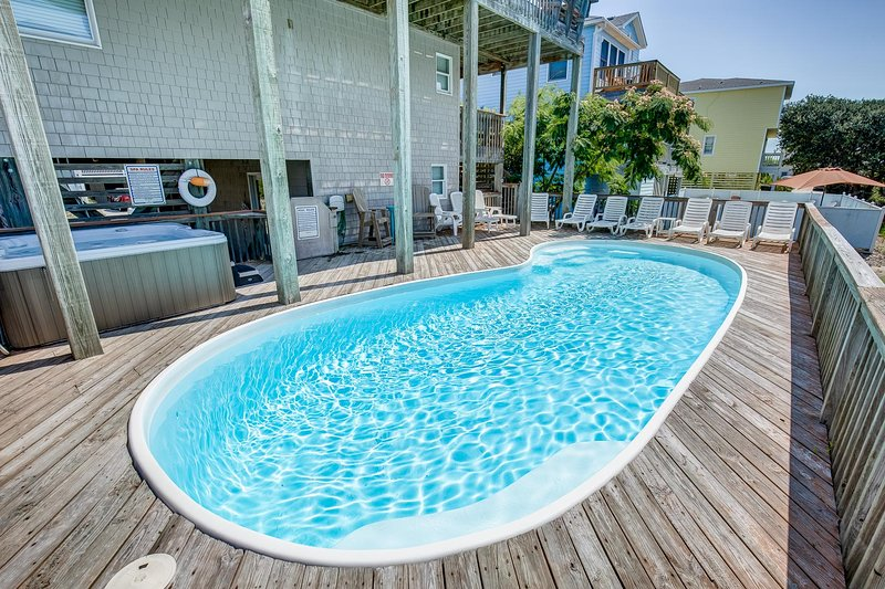 Sand Dollar | 233 ft from the beach | Private Pool, Hot Tub | Corolla, alquiler de vacaciones en Corolla