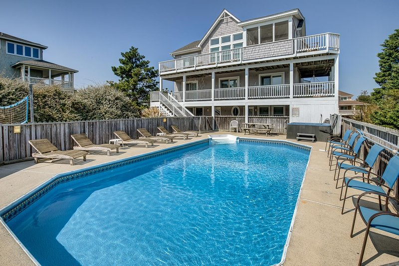 Gone to Carolina | 1273 ft from the beach | Private Pool, Hot Tub | Duck, holiday rental in Duck