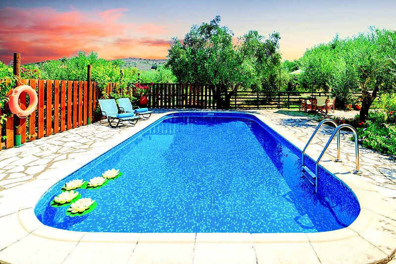 Sentido Maxima Villa 2 Private Pools – semesterbostad i Kreta
