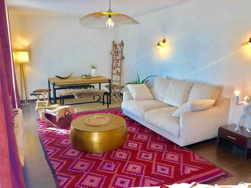 Amazing apt with terrace & Wifi, holiday rental in Saint-Jean-de-Vedas