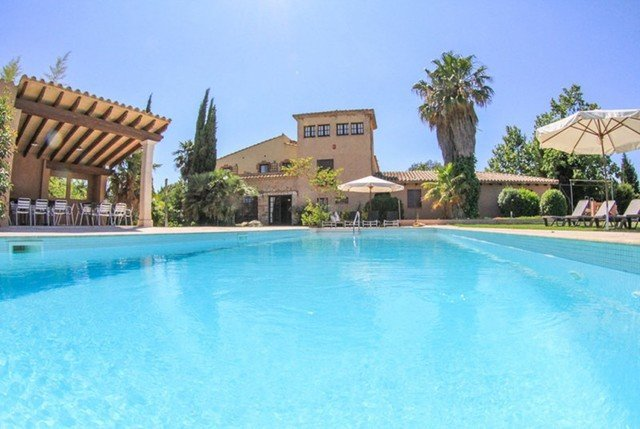 Fonteta Villa Sleeps 16 with Pool Air Con and Free WiFi - 5509449 – semesterbostad i Sant Sadurni de l'Heura
