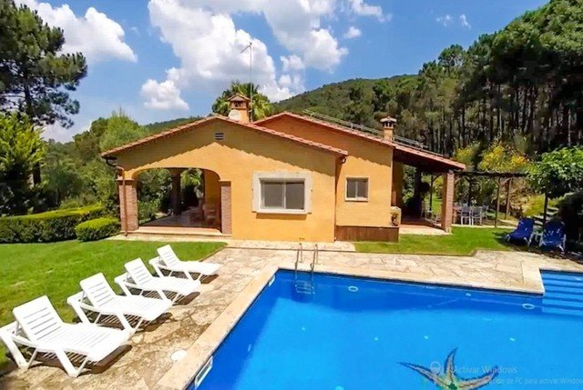 Bell-Lloch Villa Sleeps 8 with Pool and Free WiFi - 5509030, location de vacances à Romanya de la Selva
