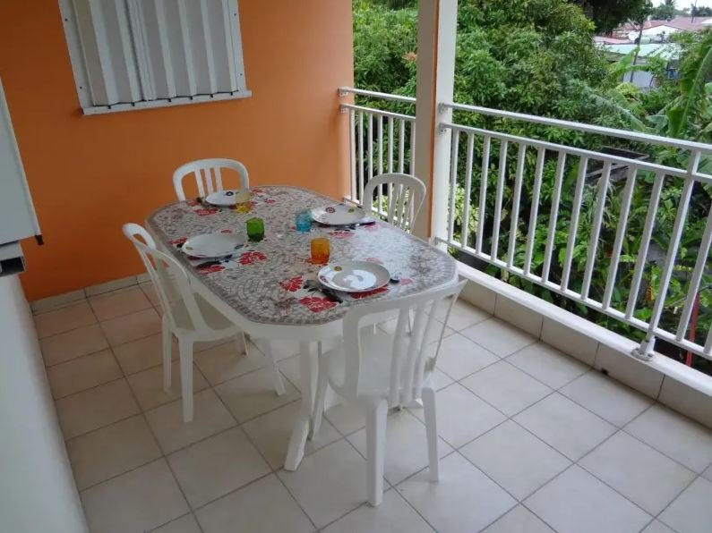 Spacious house with terrace & Wifi, alquiler vacacional en Port-Louis