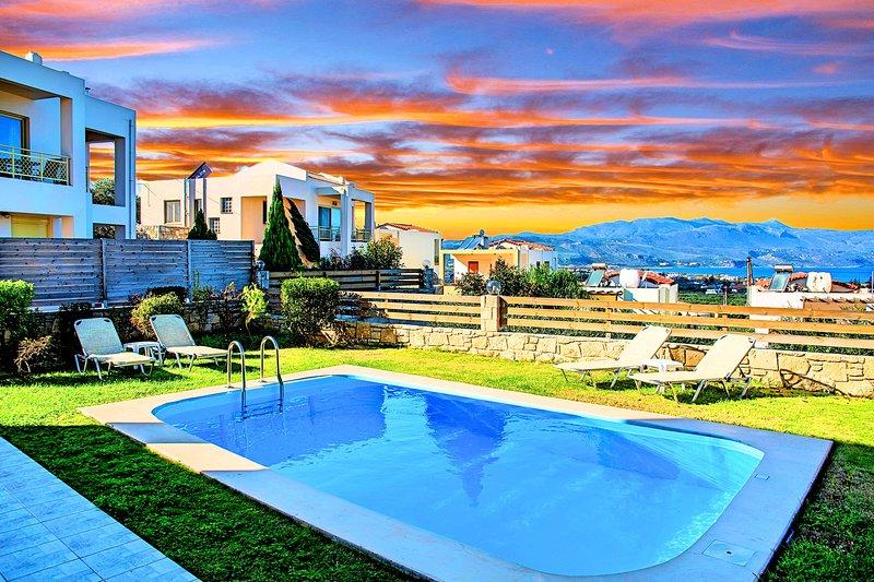 Sense of Dream Villa | Maxima with Sea Views, aluguéis de temporada em Polemarchi
