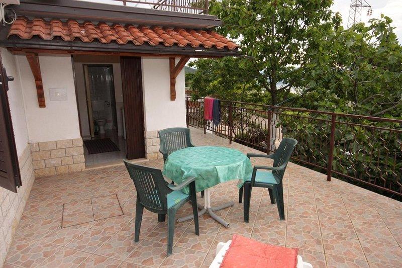 Icici Apartment Sleeps 3 - 5460527, holiday rental in Poljane