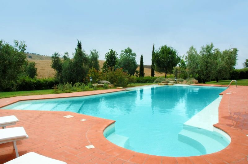 Stazione di Alberese Villa Sleeps 4 with Pool Air Con and WiFi - 5829338, holiday rental in Collecchio