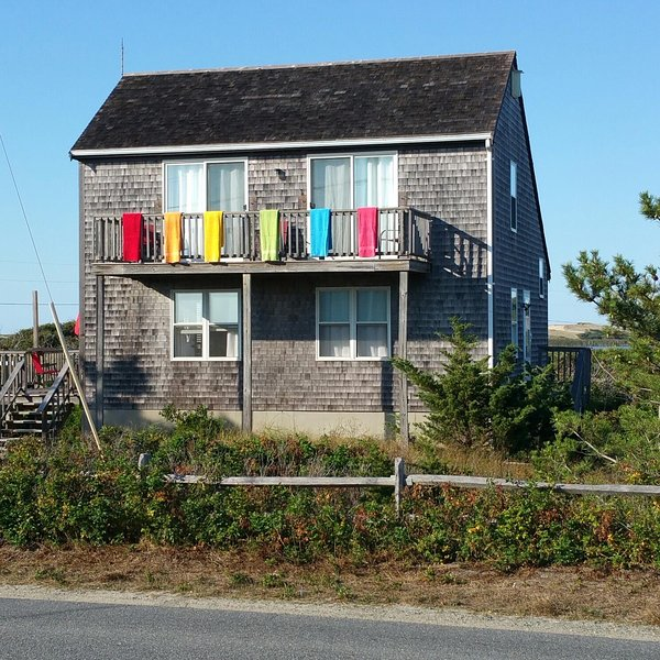 #211: Pup Friendly Beachside Getaway! Walk to Water-Dazzling Sunsets on the Bay!, vacation rental in North Truro