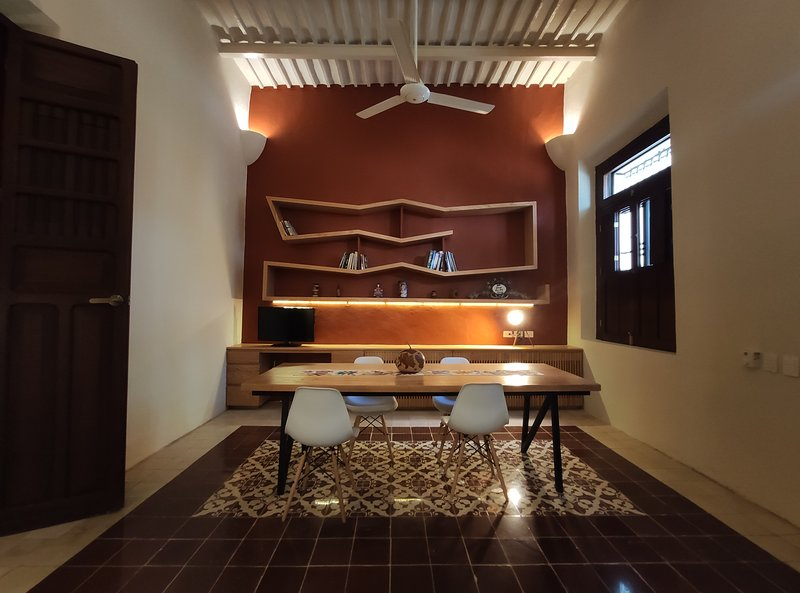 Elegant colonial home in the heart of Mérida., vacation rental in Merida