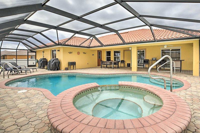 NEW! Modern Florida Oasis near Cape Coral Parkway!, location de vacances à Iona