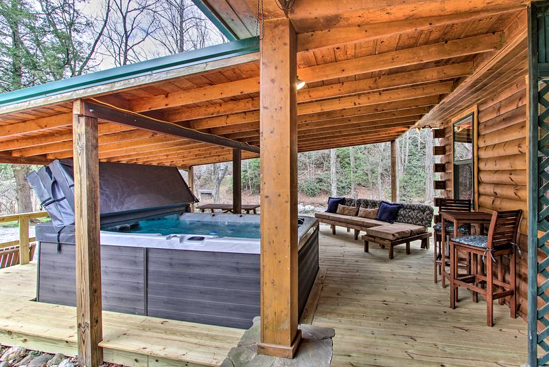 All the comforts you're looking for in a vacation cabin can be found here!
