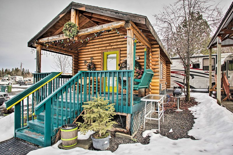 NEW! Homey Winchester Studio Cabin w/ Kitchenette!, holiday rental in Winchester