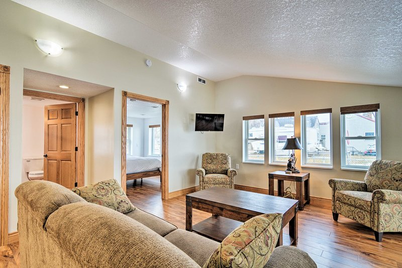 NEW! Charming Bay City Home w/ Dock & Boat Launch!, vacation rental in Frankenmuth