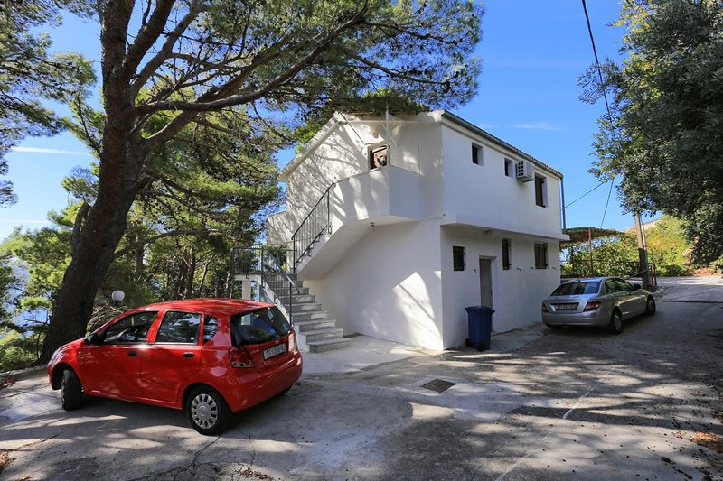 Marusici Apartment Sleeps 6 with Air Con - 5807783, holiday rental in Marusici