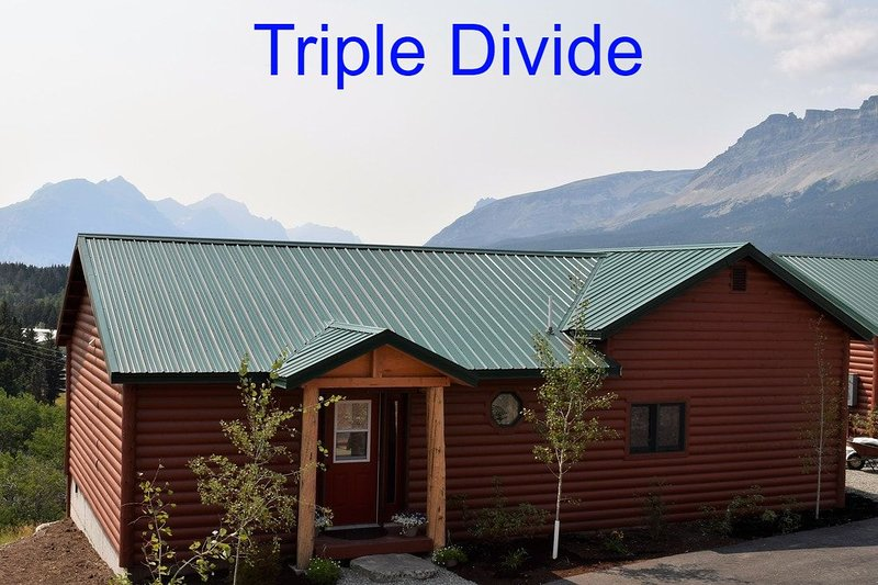 The Cottages At Glacier - Triple Divide Cottage, vacation rental in Babb