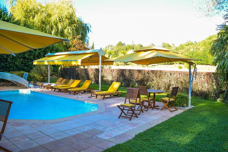 Amazing apartment with shared pool, casa vacanza a Forcalquier