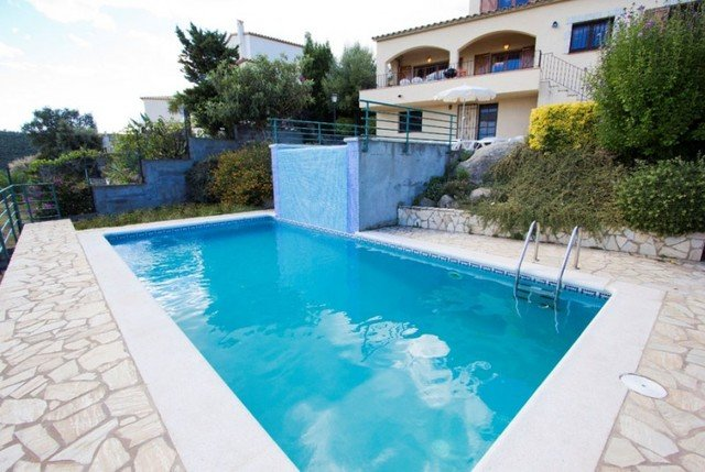 Calonge Villa Sleeps 8 with Pool and Free WiFi - 5508990, vacation rental in Calonge