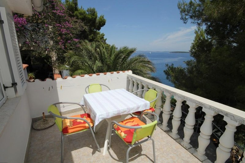 Sali Apartment Sleeps 4 with Air Con - 5467954, holiday rental in Sali