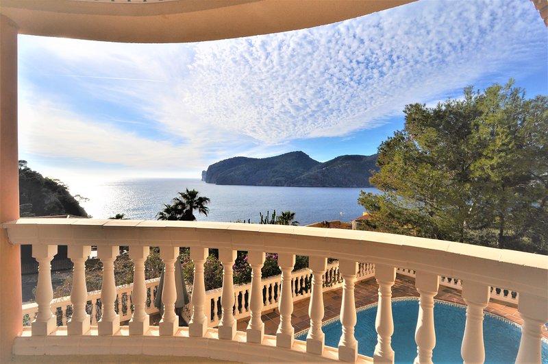 Calendar 2021 Opened- VILLA CAMP DE MAR- Villa spectacular views of Camp de Mar, vacation rental in S'Arraco
