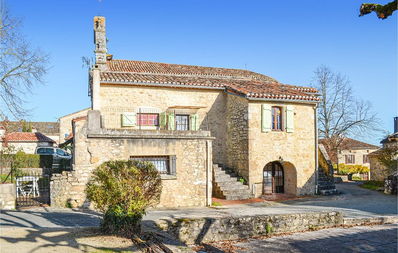Awesome home in Cambayrac with 3 Bedrooms (FML109), location de vacances à Saint-Daunès