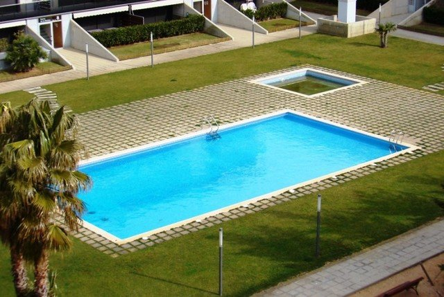 Sant Antoni de Calonge Apartment Sleeps 5 with Pool Air Con and WiFi - 5509131, holiday rental in Sant Daniel