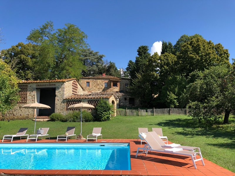 Lilliano Holiday Home Sleeps 7 with Pool and WiFi - 5226870, holiday rental in San Leonino