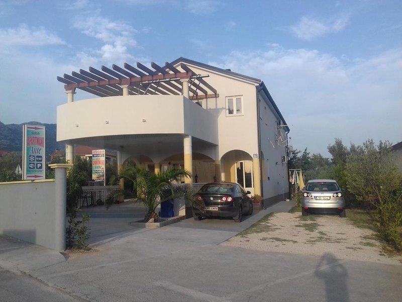 Seline Apartment Sleeps 3 with Air Con - 5471257, alquiler vacacional en Seline