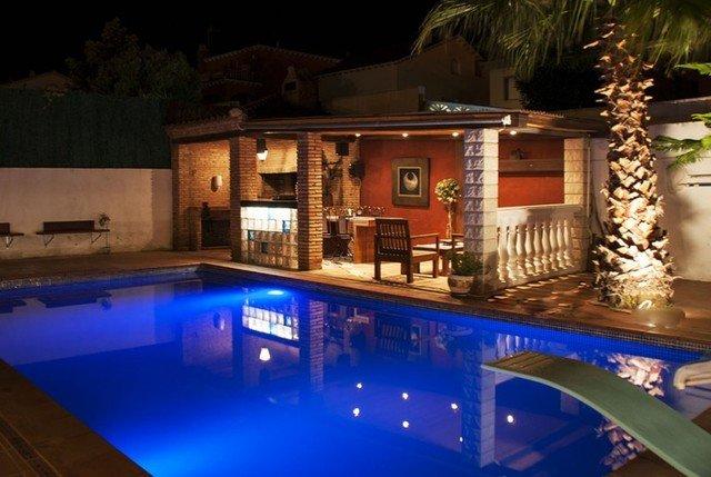 El Vendrell Villa Sleeps 9 with Pool - 5509083, alquiler de vacaciones en El Vendrell