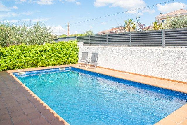 Cunit Villa Sleeps 12 with Pool - 5627254, alquiler de vacaciones en Segur de Calafell