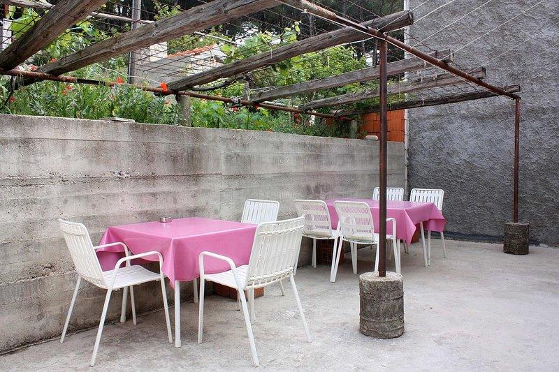 Maranovici Apartment Sleeps 3 with Air Con - 5577951, holiday rental in Saplunara