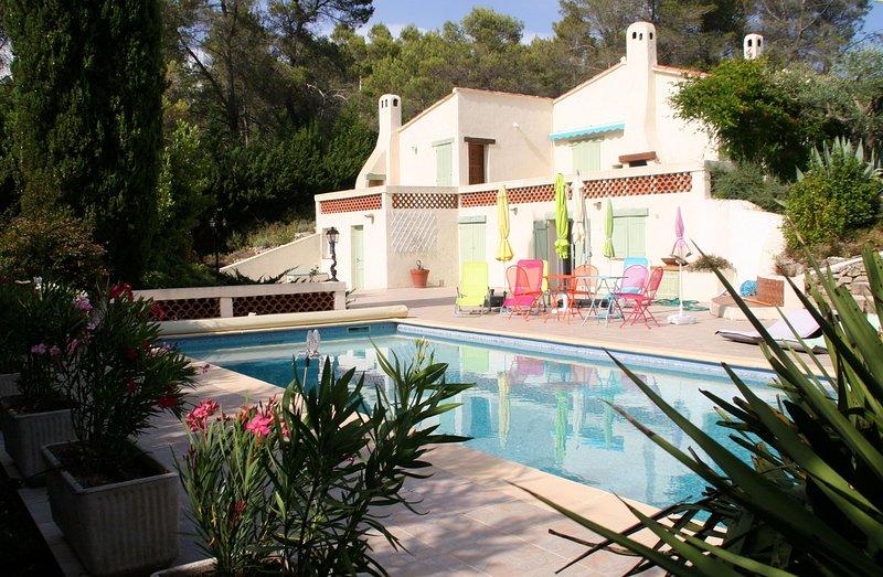 Villa Arbousier à Bagnols-en-Forêt avec piscine de belles dimensions, holiday rental in Bagnols-en-Foret