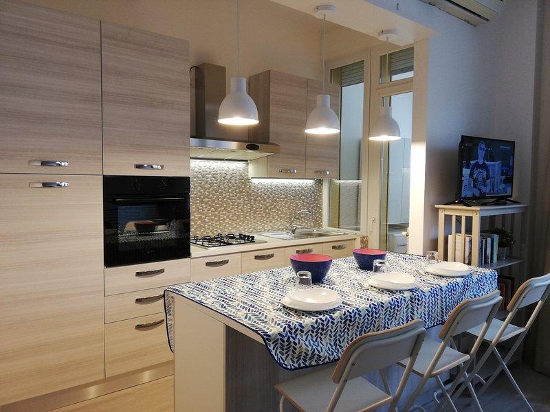 Appartamento Scilla Mono - Sulla spiaggia di Rimini, holiday rental in Rivazzurra