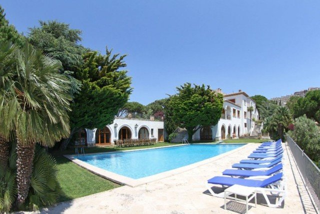 Sant Feliu de Guixols Villa Sleeps 24 with Pool and Free WiFi - 5509395, aluguéis de temporada em Sant Feliu de Guixols
