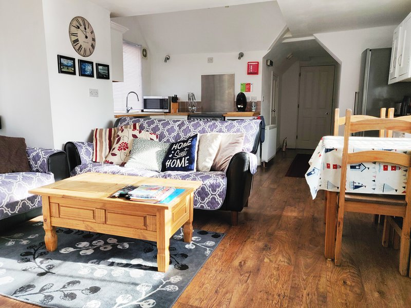 Leylands - very close to beach and town, holiday rental in Cromer