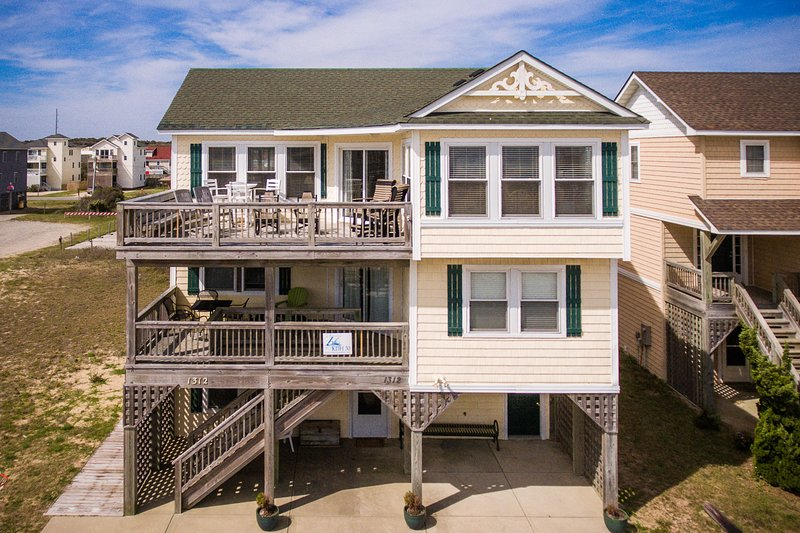 Sandy Toes | 499 ft from the beach | Dog Friendly, Private Pool, Hot Tub | Kill, holiday rental in Kill Devil Hills