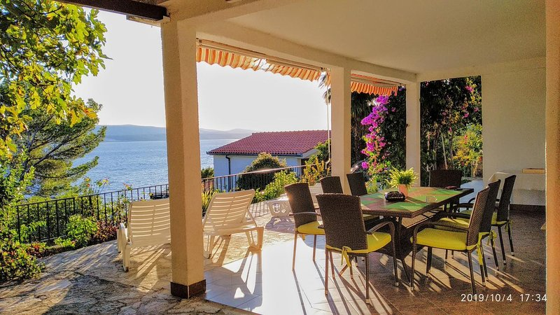 Pisak Apartment Sleeps 6 with Air Con - 5460053, holiday rental in Marusici