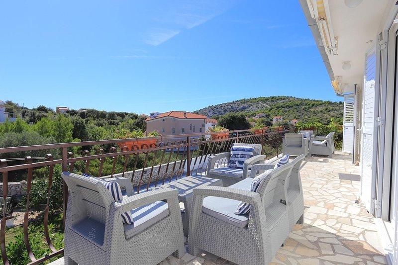 Razanj Apartment Sleeps 4 with Pool and Air Con - 5813525, vacation rental in Razanj