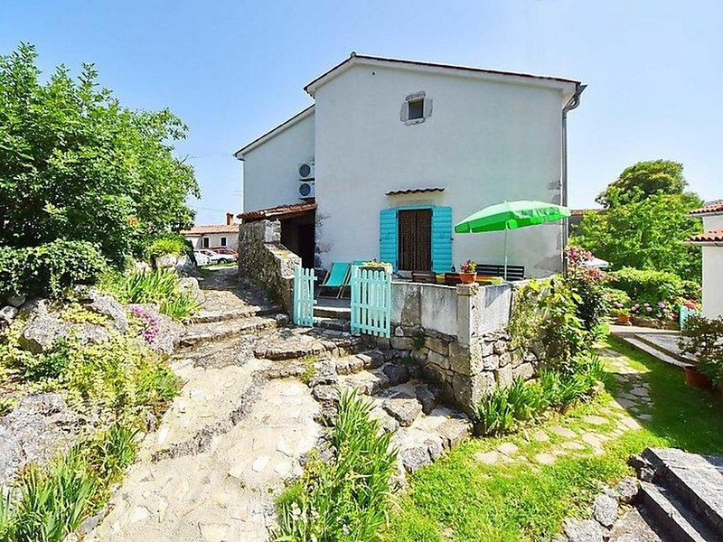 Zagorje Holiday Home Sleeps 6 with Air Con - 5819843, holiday rental in Filozici