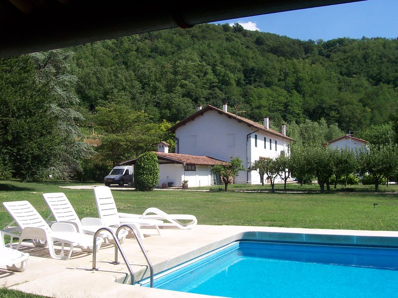 Monte Ortone Apartment Sleeps 7 with Pool Air Con and WiFi - 5227144, vacation rental in Montegalda
