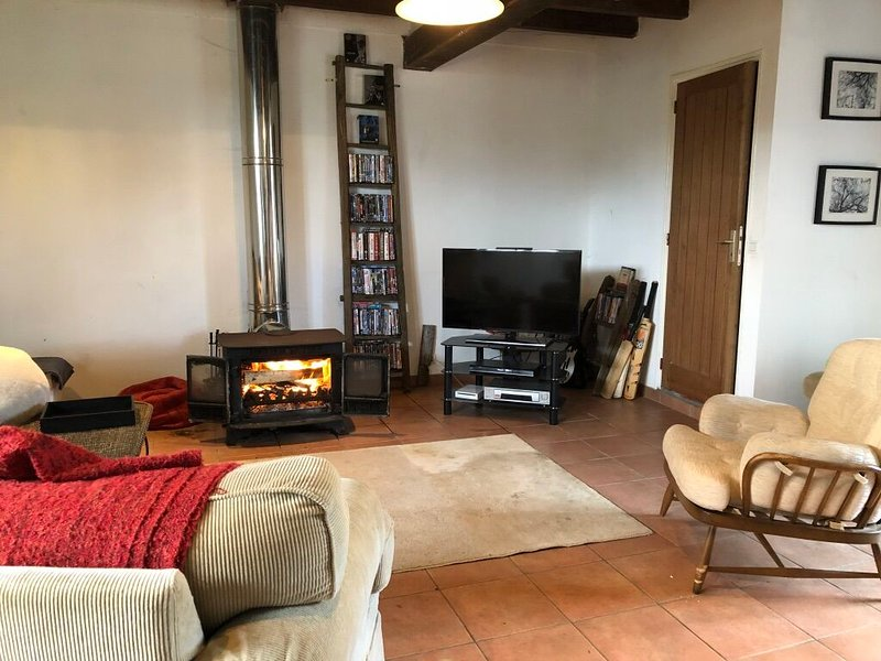 Stunning farmhouse Le Pin - only 15 minutes drive from Mont Saint-Michel., vacation rental in Sougeal