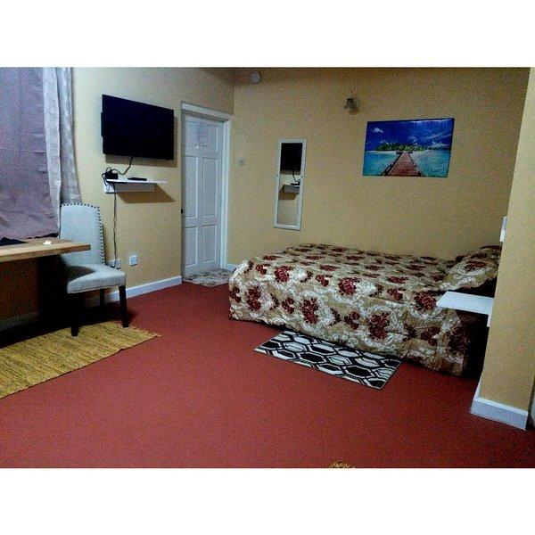 Careffe Suites Apt 3 - 5 mins from Rodney Bay Village, location de vacances à Corinth