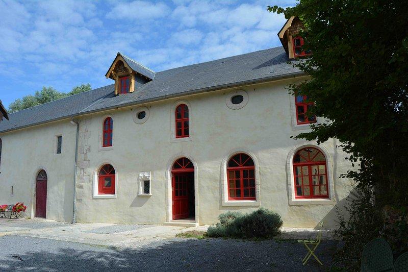 Venez rêver et vous ressourcer au manoir de Damigny, aluguéis de temporada em Nonant