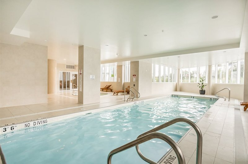 Luxury Brentwood- Steps from Vancouver, vacation rental in Burnaby