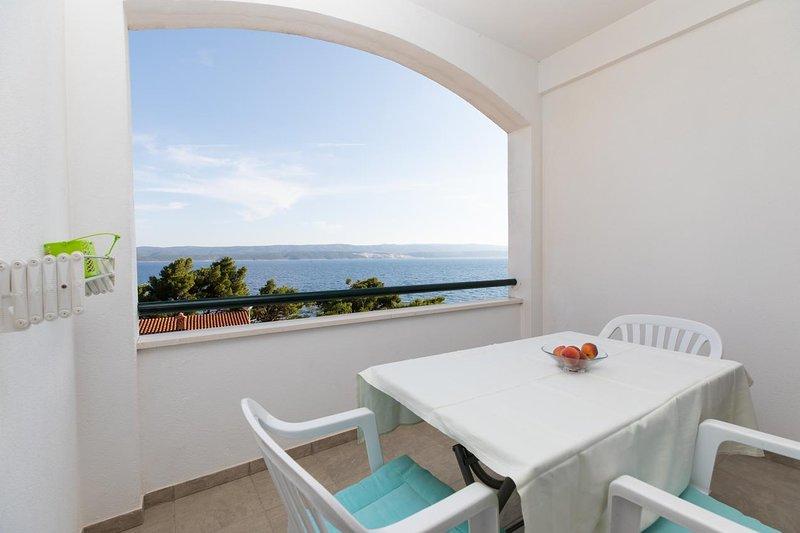 Kutlesa Apartment Sleeps 3 with Air Con - 5460068, vacation rental in Medici