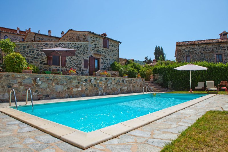 Casa Montacuto Holiday Home Sleeps 4 with Pool and WiFi - 5787016, aluguéis de temporada em Monteguidi