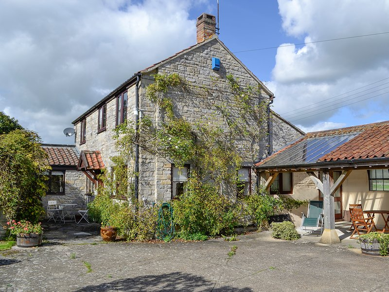 The Old Haybarn, holiday rental in Martock